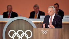 Сентябрь. Лима. Выступление Денниса ОСВАЛЬДА на сессии Международного олимпийского комитета.