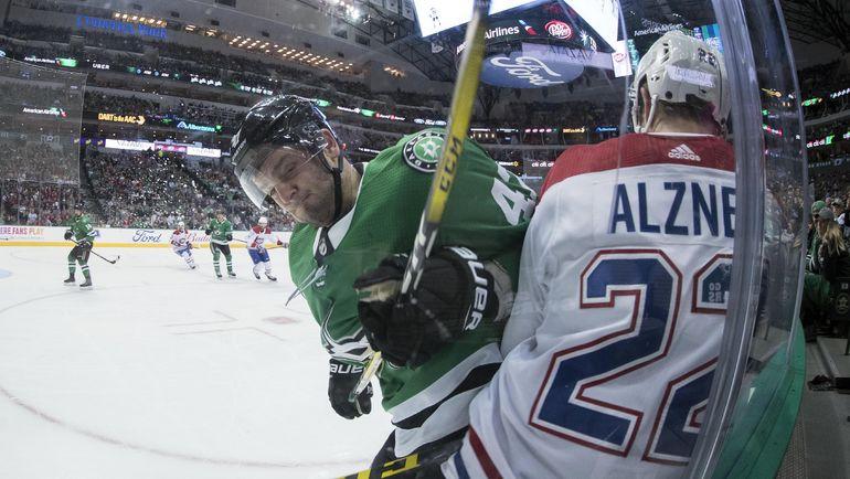 "Вторник. Даллас. ""Даллас"" - ""Монреаль"" - 3:1. Александр РАДУЛОВ (слева). Фото USA TODAY Sports"
