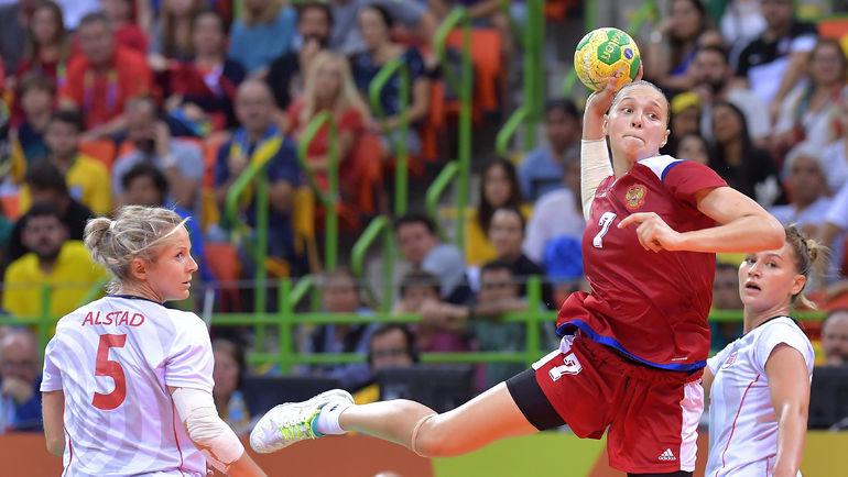 Олимпийская чемпионка Рио Дарья ДМИТРИЕВА (№ 7) станет одной из главных надежд сборной России на чемпионате мира в Германии. Фото Пресс-служба ФГР
