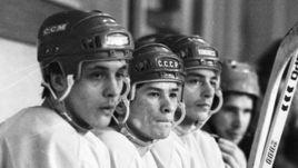 Валерий КАМЕНСКИЙ (слева), Вячеслав БЫКОВ (в цетре) и Андрей ХОМУТОВ. Двое последних в 90-е будут играть в Швейцарии и пропустят ОИ-1996.