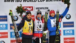 Сегодня. Хохфильцен. Тройка призеров: Йоханнес БЕ (в центре), Мартен ФУРКАД (слева) и Яков ФАК.
