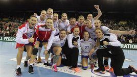 Сборная России вышла в плей-офф с пятью победами в пяти матчах.