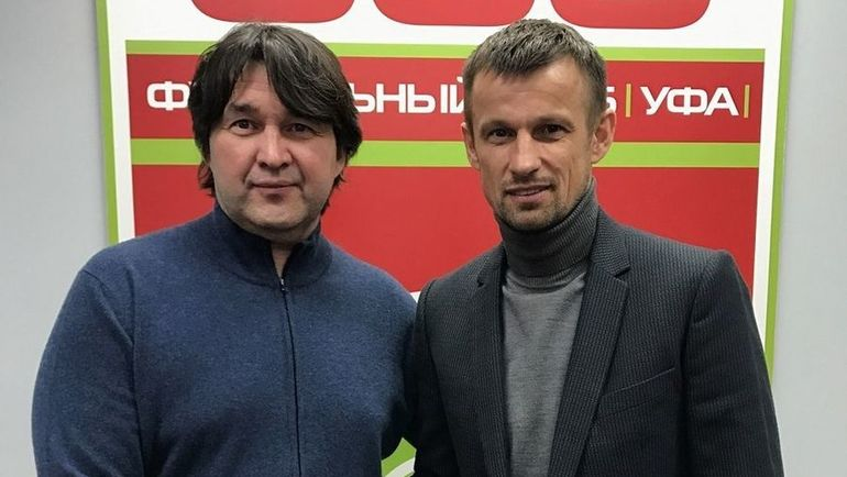 """Шамиль ГАЗИЗОВ (слева) и Сергей СЕМАК. Фото ФК """"Уфа"""""""