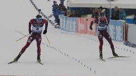 Сегодня. Анси. Антон ШИПУЛИН (слева) удержал третье место в борьбе с Александром ЛОГИНОВЫМ.