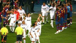 """2008 год. Чемпионский коридор для игроков """"Реала""""."""