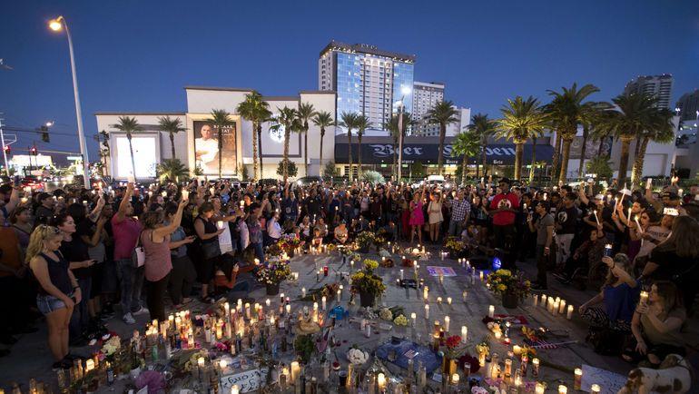 Траур на месте стрельбы в Лас-Вегасе. Фото AFP