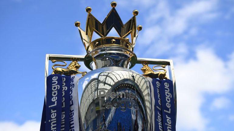Кубок, вручаемый чемпиону Англии. Фото AFP