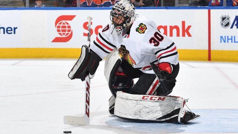 """Пятница. Эдмонтон. """"Эдмонтон"""" – """"Чикаго"""" – 3:4 ОТ. Вратарь """"Ястребов"""" Джефф ГЛАСС дебютировал в НХЛ в 32 года. Фото twitter.com"""