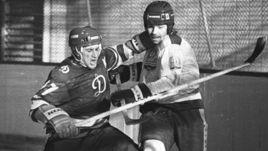 1980-е. Противостояние двух динамовцев - Олега ЗНАРКА (справа) из Риги и Зинэтулы БИЛЯЛЕТДИНОВА из Москвы.