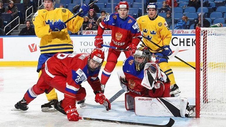 Воскресенье. Баффало. Россия - Швеция - 3:4 Б. Уступив шведам, россияне попали в плей-офф на хозяина турнира. Фото IIHF