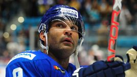 "Нападающий ""Барыса"" Найджел ДОУС - лучший снайпер регулярного чемпионата КХЛ."