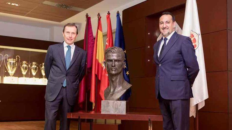 "Бюст Криштиану Роналду в музее ""Реала""."