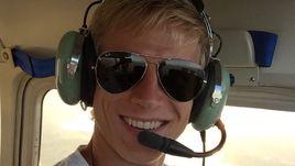 Мориц БАУЭР научился летать и получил лицензию пилота.