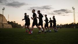 Футболисты ЦСКА проводят тренировку в испанском городе Кампоамор.
