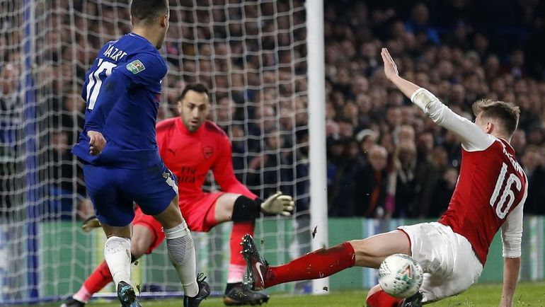 "Эден АЗАР (слева) атакует ворота ""Арсенала"". Фото Пресс-служба ""Арсенала"""