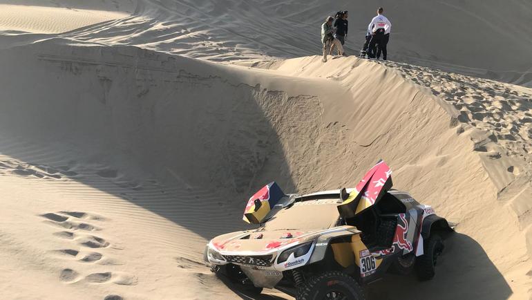 Авария Peugeot экипажа Себастьяна Лоэба и Даниэля Елена.