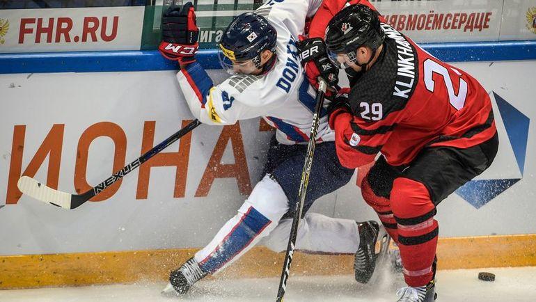 """Нападающий """"Ак Барса"""" Роб КЛИНКХАММЕР (справа) на Играх-2018 будет защищать цвета сборной Канады. Фото AFP"""