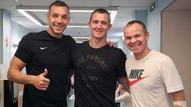 Артем ДЗЮБА (слева), Андрей ЛУНЕВ (в центре) и Александр АНЮКОВ сегодня прошли медосмотр.