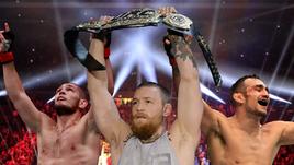 UFC намерен лишить Конора МАКГРЕГОРА (в центре) пояса и сделать бой между Хабибом НУРМАГОМЕДОВЫМ (слева) и Тони ФЕРГЮСОНОМ титульным.