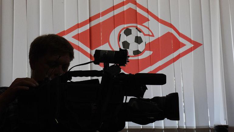 """Зарабатывать на ТВ-правах в России так и не научились. Фото Александр ФЕДОРОВ, """"СЭ"""""""