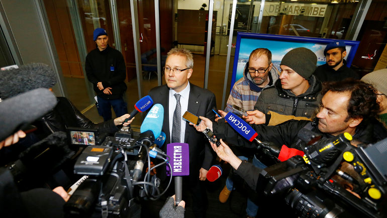 Генеральный секретарь Спортивного арбитражного суда Матье РИБ и российская пресса. Фото REUTERS
