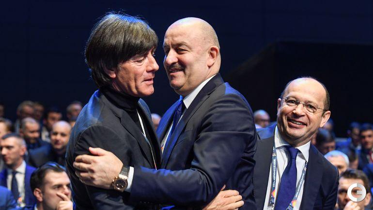 Сегодня. Лозанна. Жеребьевка Лиги наций. Йоахим ЛЕВ (слева) и Станислав ЧЕРЧЕСОВ.