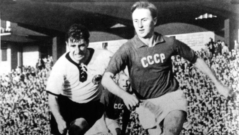 1956 год. В игре Алексей ПАРАМОНОВ. Фото из личного архива Алексея ПАРАМОНОВА