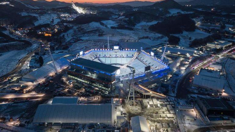 Вид на стадион, где будут проходить церемонии открытия и закрытия Олимпийских и Паралимпийских игр. Фото AFP