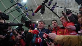 Сегодня. Новогорск. Открытую тренировку сборной посетило множество журналистов. Не все они понимали, что тут делают.