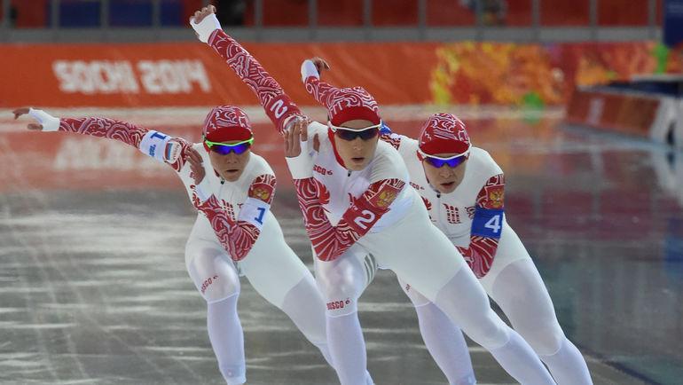 """Надежды Ольги ГРАФ (слева) в Пхенчхане были связаны с командной гонкой преследования, в которой она, оставшись без партнеров, выступить на сможет. Фото Александр ФЕДОРОВ, """"СЭ"""""""