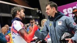 15 февраля 2014 года. Сочи. Мартинс ДУКУРС (справа) поздравляет Александра ТРЕТЬЯКОВА с олимпийским золотом.