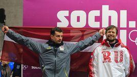 Мартин ДУКУРС (слева) и Александр ТРЕТЬЯКОВ: серебряный призер Сочи-2014 из Латвии по решению CAS не получит отобранный МОК титул чемпиона.