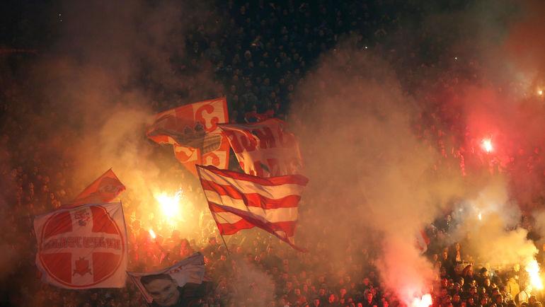 "Фанаты ""Црвены Звезды"". Фото Novak Djurovic, Reuters"