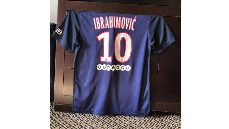 Футболка Златана Ибрагимовича.