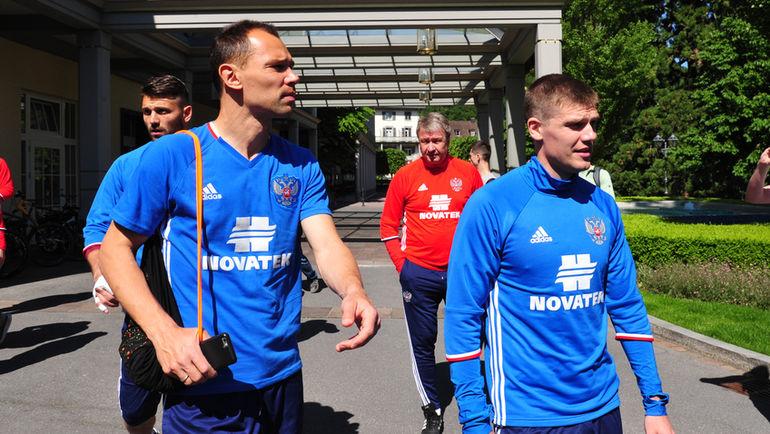Сергей ИГНАШЕВИЧ (слева) и Игорь ДЕНИСОВ. Фото Александр ФЕДОРОВ, «СЭ»