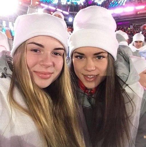 Российские хоккеистки на церемонии открытия Олимпиады в Пхенчхане. Фото Официальный сайт ФХР