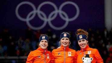 Голландский пьедестал: (слева направо) Ирен ВЮСТ (серебро), Карлейн АХТЕРЕКТЕ (золото) и Антуанетта ДЕ ЙОНГ (бронза). Фото Reuters