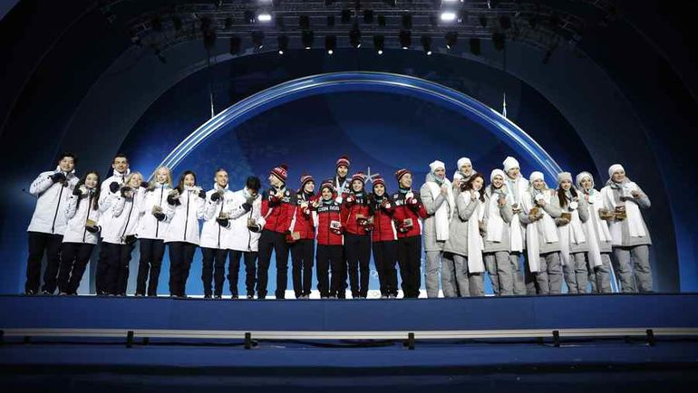 Сегодня. Каннын. Награждение победителей командных соревнований по фигурному катанию.