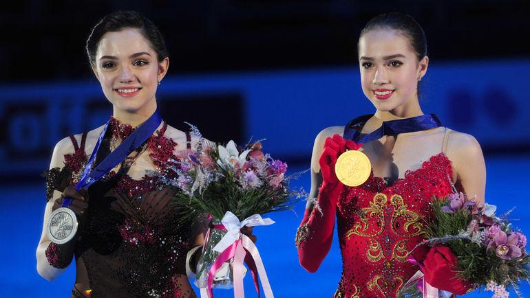 """Евгения МЕДВЕДЕВА (слева) и Алина ЗАГИТОВА. Фото Александр ФЕДОРОВ, """"СЭ"""""""