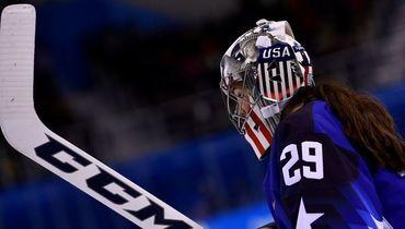 МОК разрешил вратарям сборной США оставить изображение Статуи Свободы на шлемах