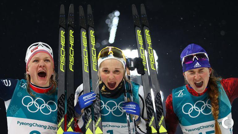 Сегодня. Пхенчхан. Лыжный спринт. Норвежка Майкен ФАЛЛА, шведка Стина НИЛЬССОН и россиянка Юлия БЕЛОРУКОВА на пьедестале.
