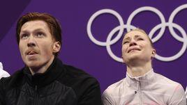 Четверг. Пхенхчан. Евгения ТАРАСОВА (справа) и Владимир МОРОЗОВ после проката.