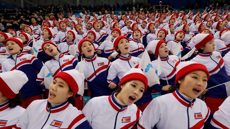 Олимпийские эмоции северокорейских болельщиц. Фото REUTERS