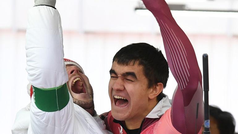 Никита ТРЕГУБОВ празднует второе место на Олимпиаде. Фото AFP