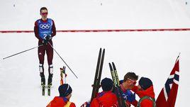 Воскресенье. Пхенчхан. Денис СПИЦОВ на финише. Следом за норвежцами.