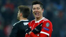 """Вторник. Мюнхен. """"Бавария"""" - """"Бешикташ"""" - 5:0. Роберт ЛЕВАНДОВСКИ празднует свой очередной гол."""
