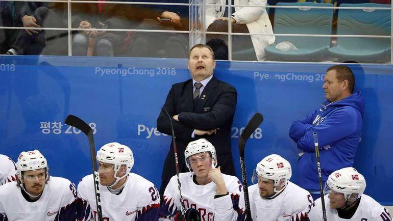 Главный тренер сборной Норвегии Петтер ТОРЕСЕН (в центре). Фото REUTERS