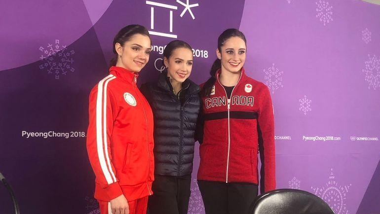 "Евгения МЕДВЕДЕВА, Алина ЗАГИТОВА и Кэтлин ОСМОНД (слева направо). Фото Дмитрий СИМОНОВ, ""СЭ"""
