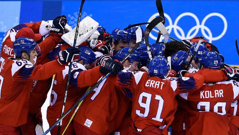 Среда. Пхенчхан. Чехия - США - 3:2. Чехи празднуют выход в полуфинал. Фото AFP