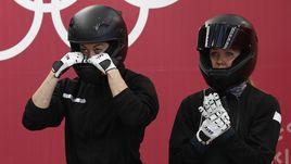 Надежда СЕРГЕЕВА (справа) и Анастасия КОЧЕРЖОВА показали 12-й результат на Олимпийских играх в Пхенчхане.
